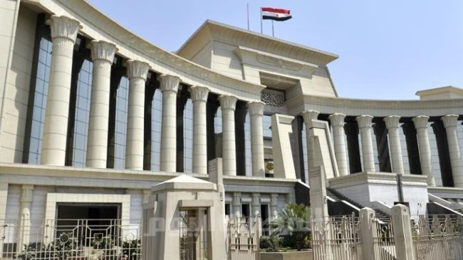 Egypt court jails 50 policemen over strike