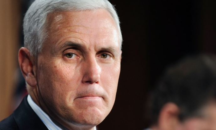 US' Pence departs football game after players kneel