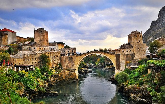 Turkey donates buses to historic Bosnian city of Mostar