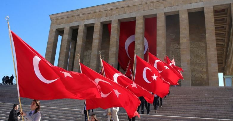 Turkey comes to halt for annual remembrance of Ataturk