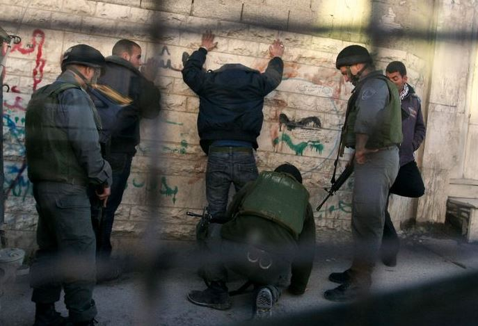 Israel rounds up 14 Palestinians in West Bank raids