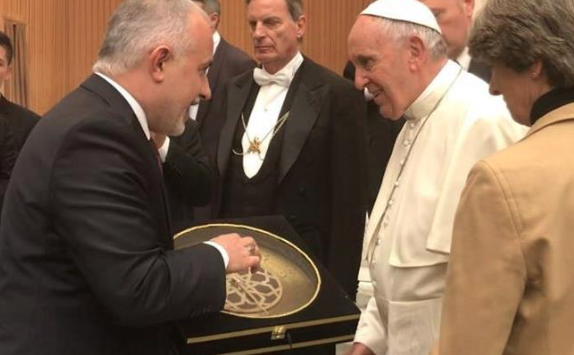 Head of Turkish Red Crescent meets Pope Francis