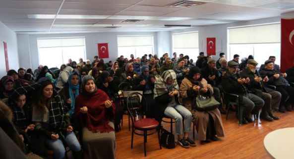 Turks in Canada pray for military success in Syria