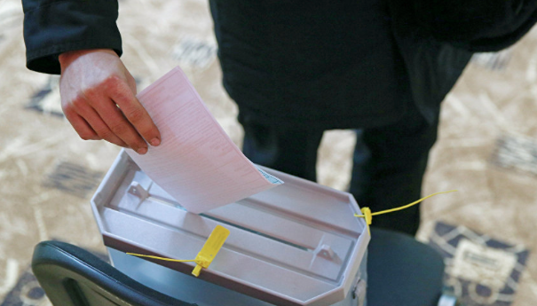 Russians vote for new president