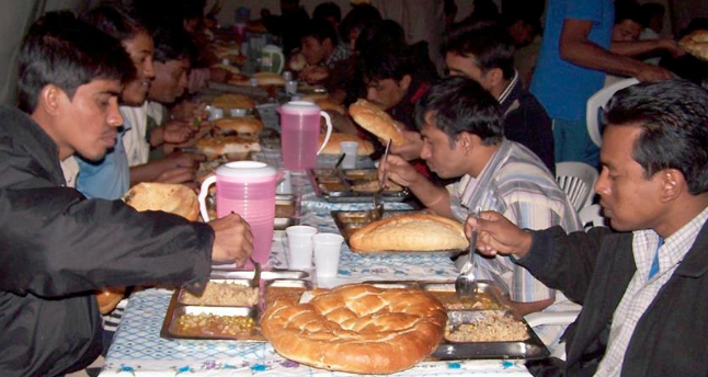 Turkey organizes iftar for Rohingya
