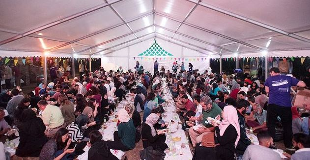 Ramadan Tent Project host open iftar for British public