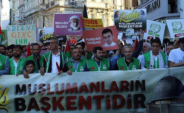 Istanbul march backs Palestinian cause