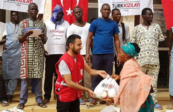 Turkish Red Crescent distributes food aid in Senegal