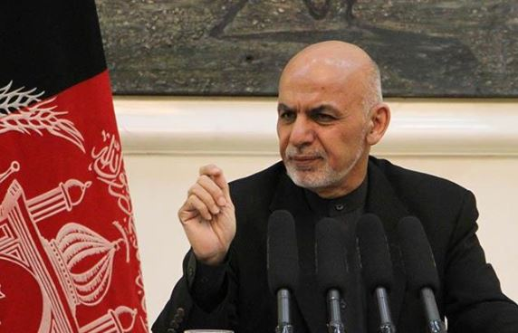 Pakistani army chief meets Afghan president in Kabul