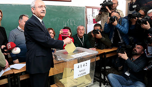 Opposition leaders cast votes in Turkey