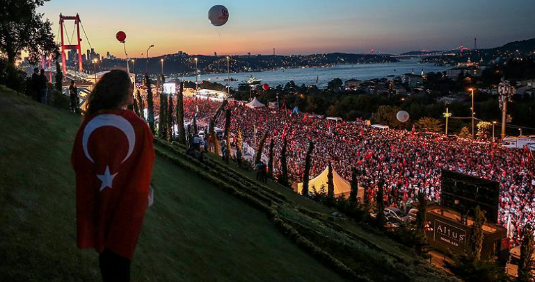 Thousands rally in Istanbul to mark 2 years to coup bid