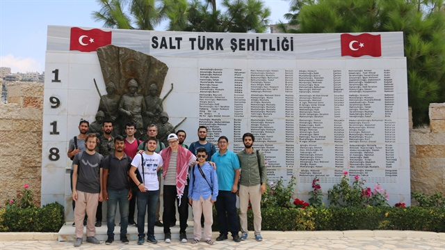 Turkish students volunteer in Jordan
