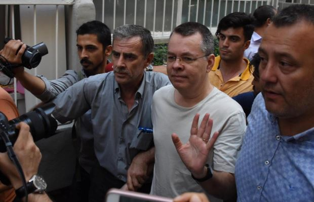 U.S.-Turkey crisis could end 'instantly' if pastor freed
