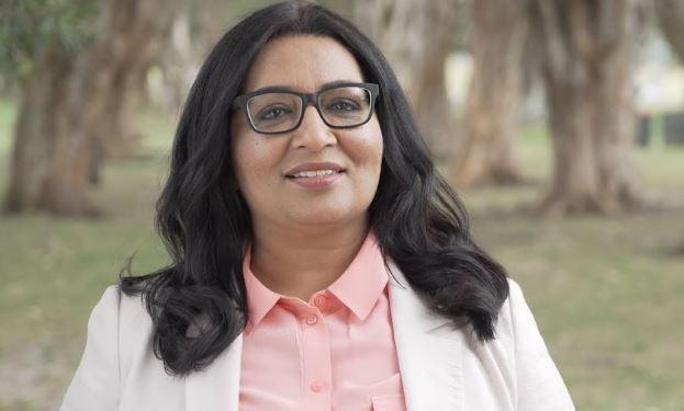 Australia gets first Muslim female senator
