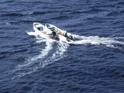 Crew blast 'Pakistani' boat after chase by India navy