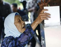 Indonesia starts election campaign for 'radical change'