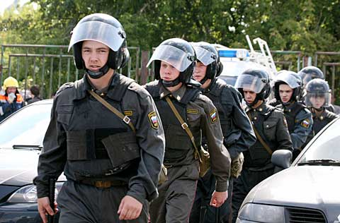 Migrants arrested after Moscow raids