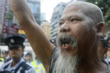 Thousands join anti-Occupy rally in Hong Kong