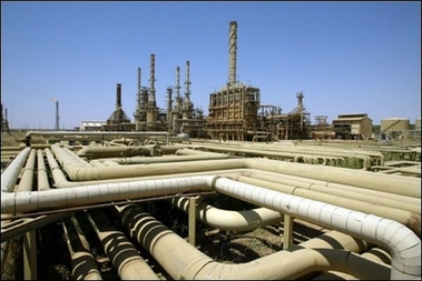 Russia puzzles with deal/no deal with Iran on oil