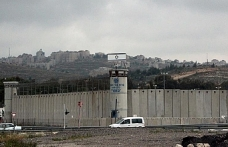 6 Palestinians continue hunger strike in Israeli jails