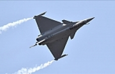 Greece signs deal with France to buy fighter jets