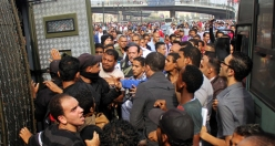 Morsi supporters take to streets