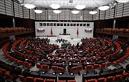 Turkish parliament extends troop deployment in Iraq, Syria for 2 years