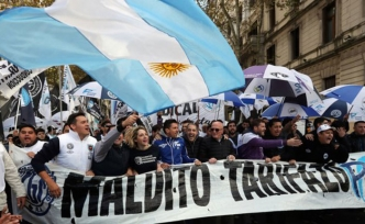 Argentina receives the largest loan in history from IMF