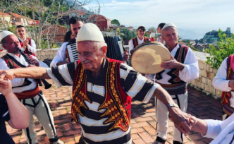 Turkish citizen becomes Albanian at the age of 90