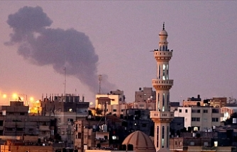 Israeli army launches raids on Gaza Strip