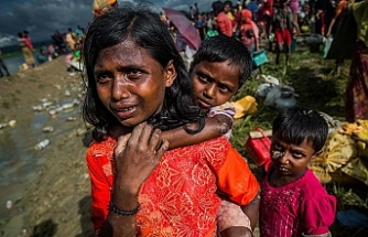 Large fire devastates Rohingya refugee camp in Bangladesh