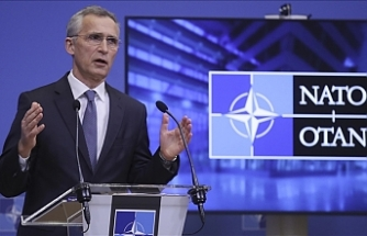 NATO chief, Ukrainian leader talk Russian activities