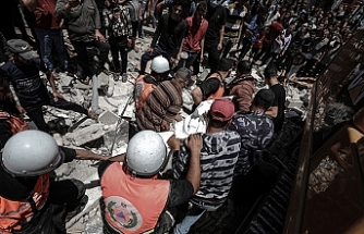 Death toll in Gaza rises to 200 amid Israeli attacks