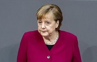 Merkel: Germany must never forget Nazi crimes