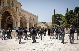 Palestinian groups give Israel ultimatum to withdraw forces from Al-Aqsa