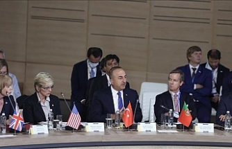 Turkey calls for diplomacy to resolve Crimea issue