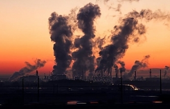 Governments' fossil fuel plans 'dangerously' inconsistent with 1.5°C goal