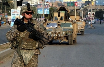 US combat forces begin withdrawing from Iraq