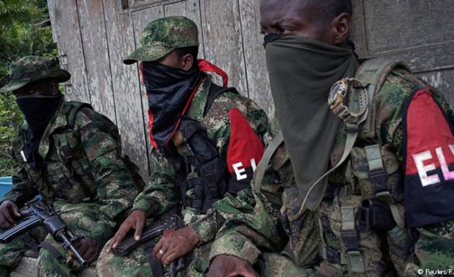 Colombian guerrillas want peace talks before suspending fight