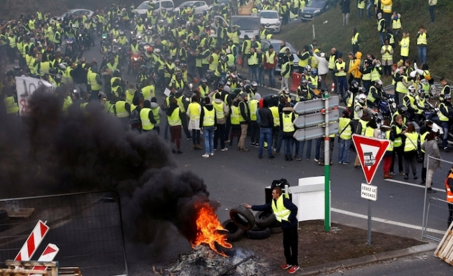 317 people arrested ahead of Yellow Vest protests