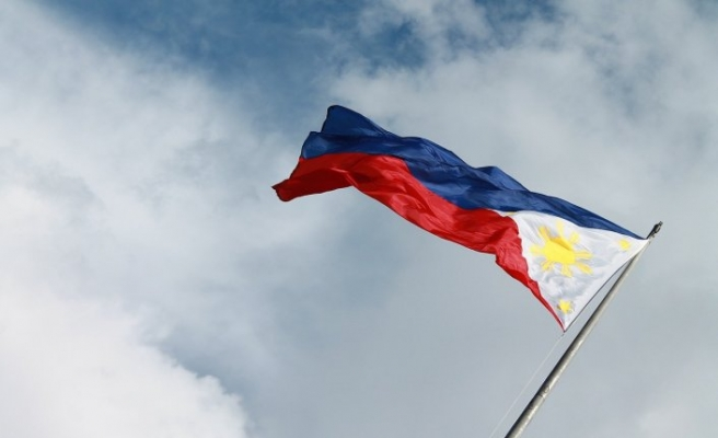 Philippine army hails sack of cops over soldier deaths