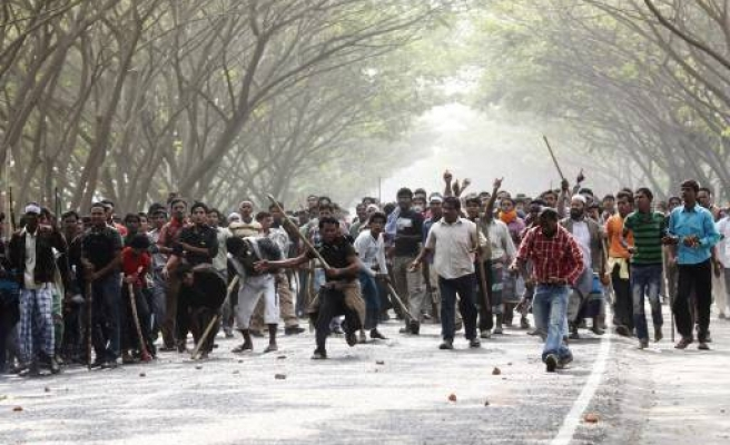 Deadly clashes in Bangladesh airport protest