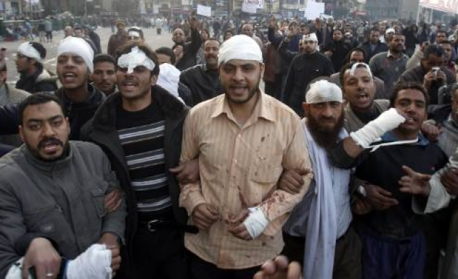 More killed as Egypt protesters come under fire