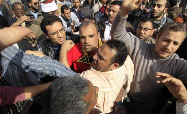 Egypt protesters say held 120 police 'attackers'