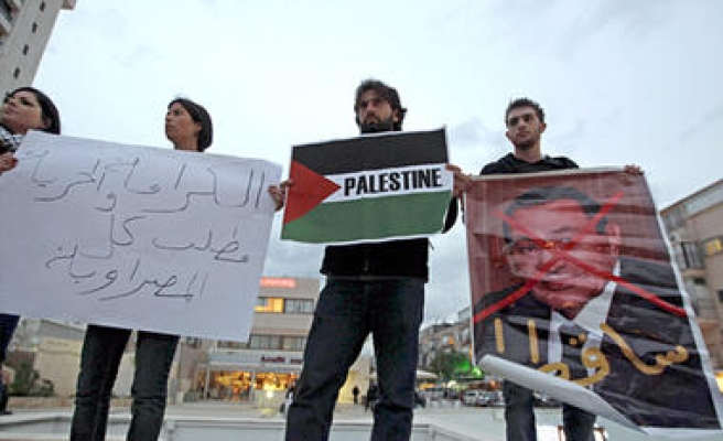 In switch, Israel-besieged Gaza feeds Egyptians
