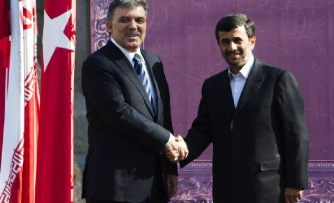 Ahmadinejad: Turkey, Iran determined to boost trade to $30 bln