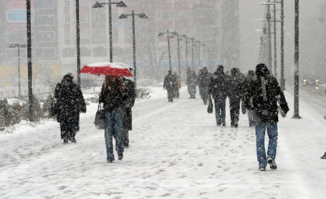 Snowfall blankets most of Turkey