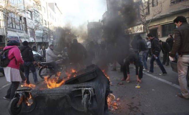 Clashes in Iran protests, dozens arrested