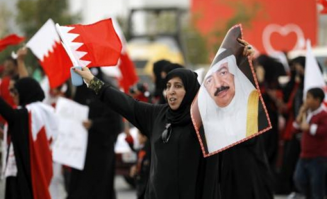 Hundreds of govt backers out in Bahrain capital-TV