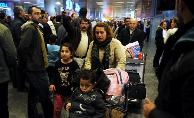 First group of citizens from Libya returns Turkey